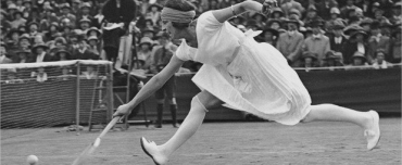 Suzanne Lenglen, a tennis champion in designer skirts